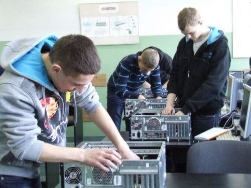 Read more about the article Technik informatyk